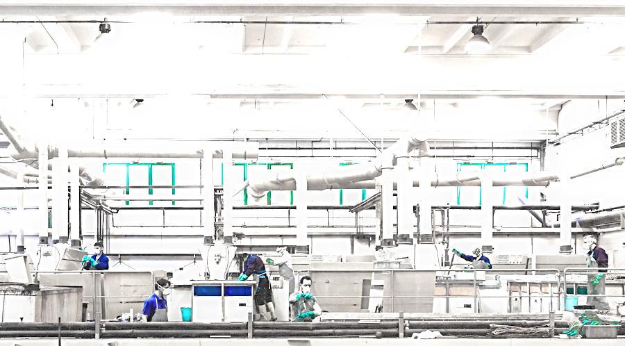 Blu Metal - 2000mq di superficie produttiva